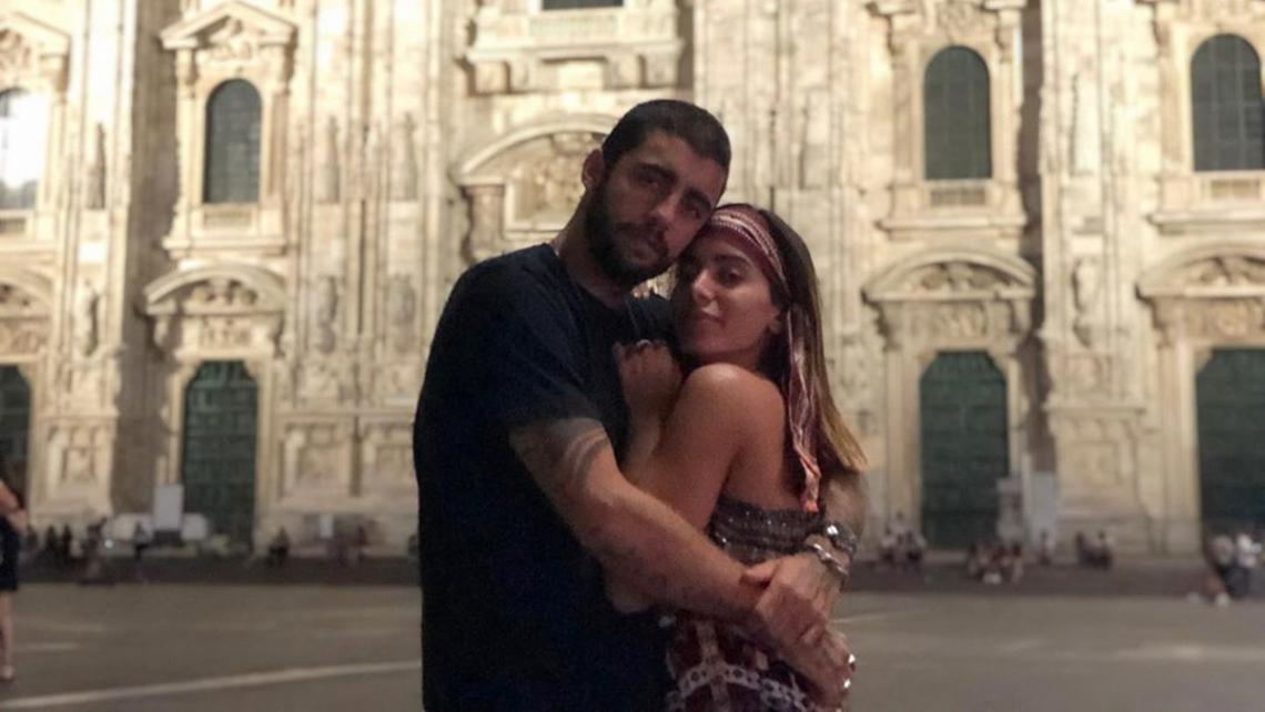 Cantora defendeu namorado na rede social