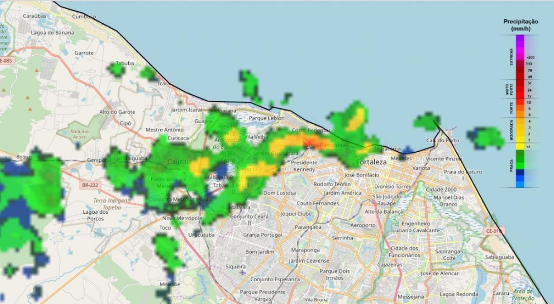 As áreas demarcadas indicam precipitações. Os locais com a cor amarela e laranja registraram os maiores volumes de chuva