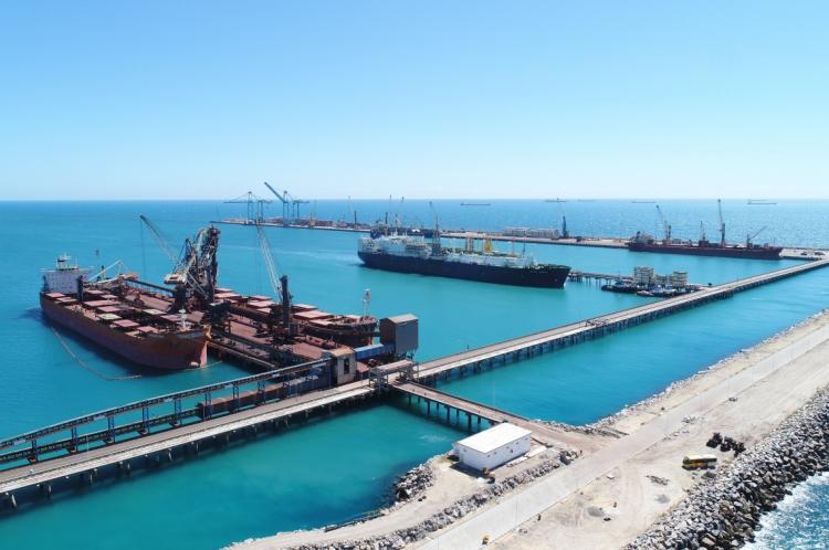 O porto atingiu o maior recorde de movimentação de cargas desde sua criação, com 1.706.961 toneladas.