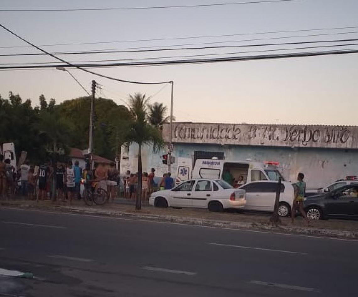 Acidente aconteceu na avenida Bernardo Manuel
