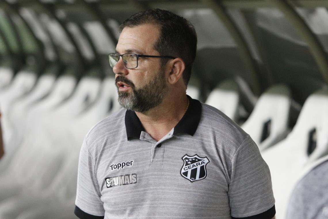 Enderson está no comando do Ceará desde a primeira rodada da Série A