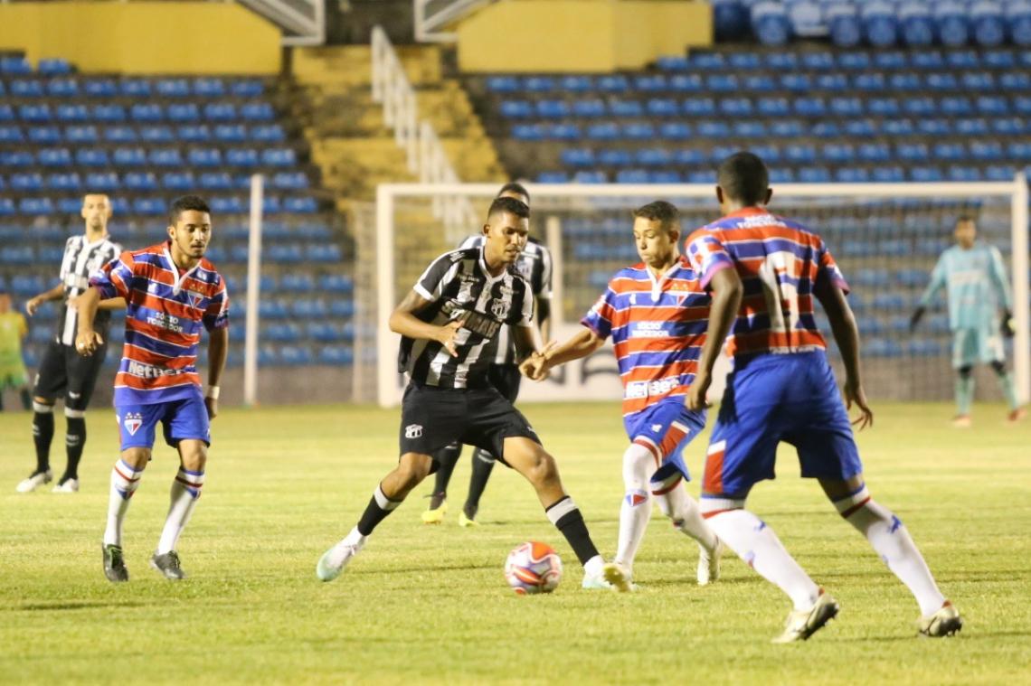O Ceará venceu a primeira partida por 1 a 0, gol de Cristiano