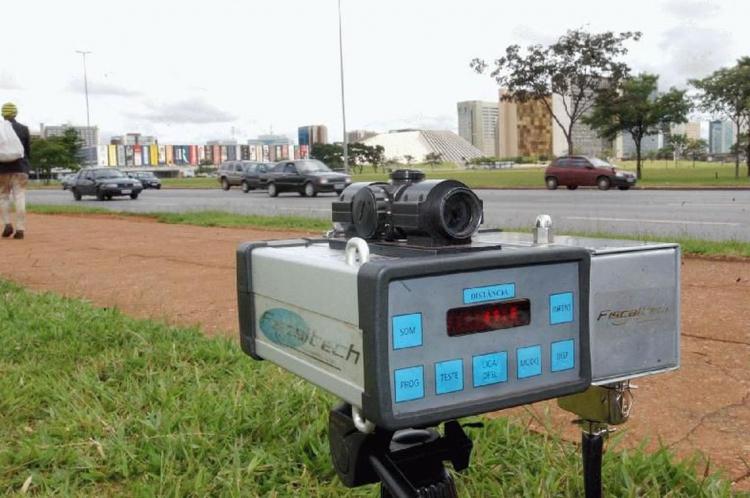 A PRF emitiu nota administrativa ordenando gestores e servidores que cumpram a determinação de retirar os radares móveis das rodovias