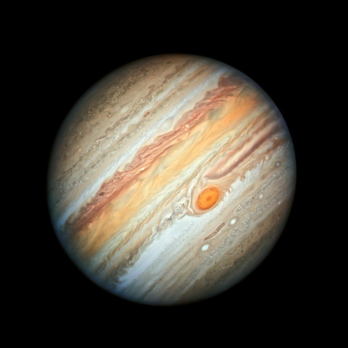 O registro é o mais recente do planeta Júpiter, captado pelo telescópio espacial Hubble, satélite lançado em 1990.