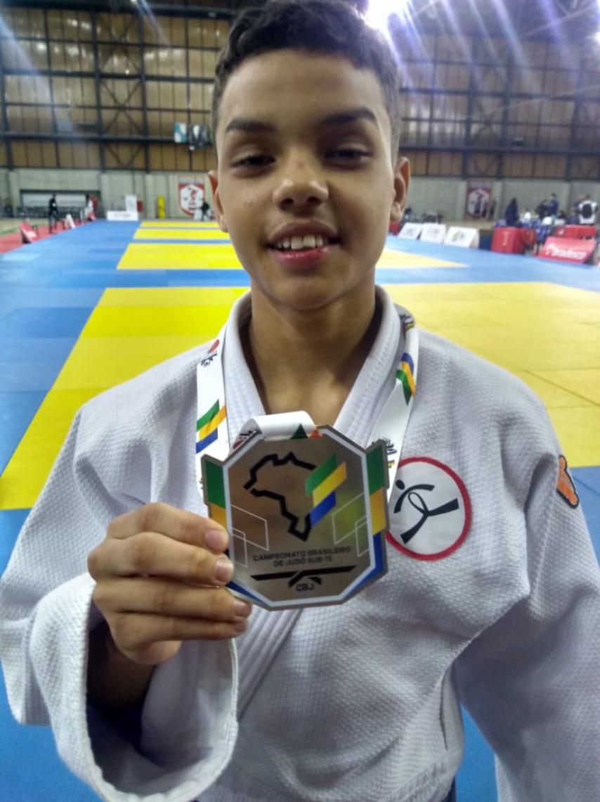 Aos 14 anos, Pedro coleciona diversas medalhas em âmbito estadual e nacional