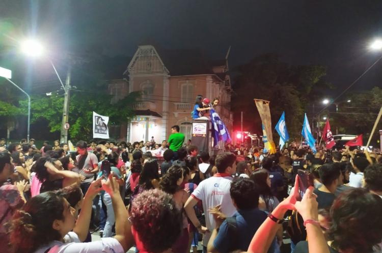 Ato acontece no cruzamento das avenidas da Universidade e 13 de Maio, no Benfica