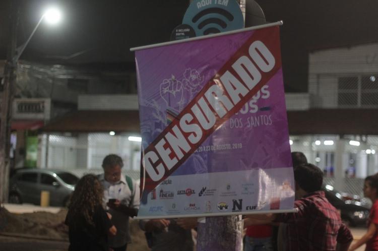 Estudantes protestam contra cancelamento da I Semana de Direitos Humanos do IFCE