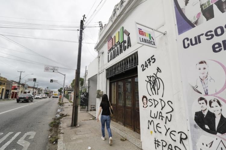 Imagem da fachada da livraria Lamarca (Foto: Alex Gomes em 20/08/2019)