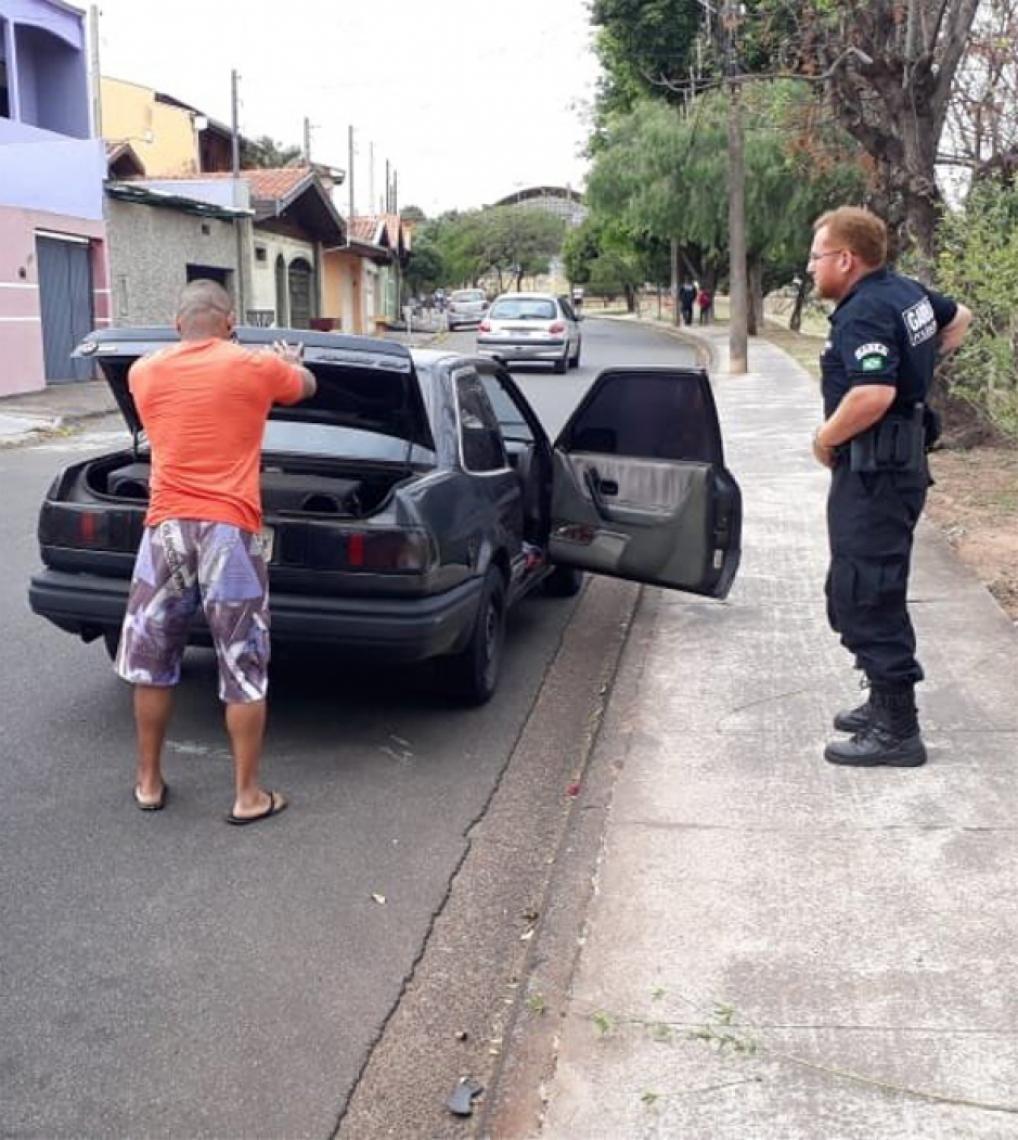 O homem foi detido e levado a Delegacia Seccional de Limeira