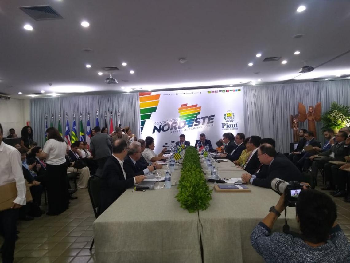 Evento, iniciado às 14h, tem o objetivo de estabelecer uma maior cooperação política, econômica e social para alavancar o crescimento da região Nordeste.