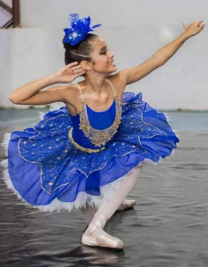 Bailarina cearense faz vaquinha na internet para participar de audição do Ballet Bolshoi, em SC