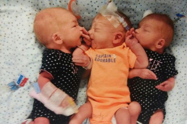 Apesar da surpresa, o pai não demorou a escolher nomes para as duas meninas e o menino: Gypsy, Nikki e Blaze