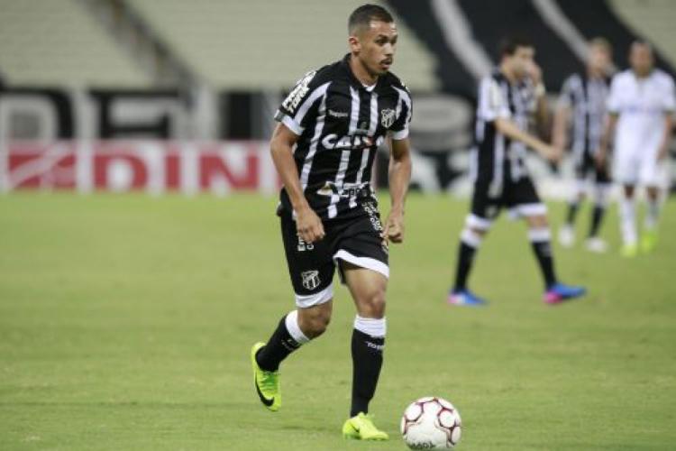 Lima vai em busca do seu primeiro gol no retorno ao Ceará.  (Foto: Julio Caesar/O POVO)