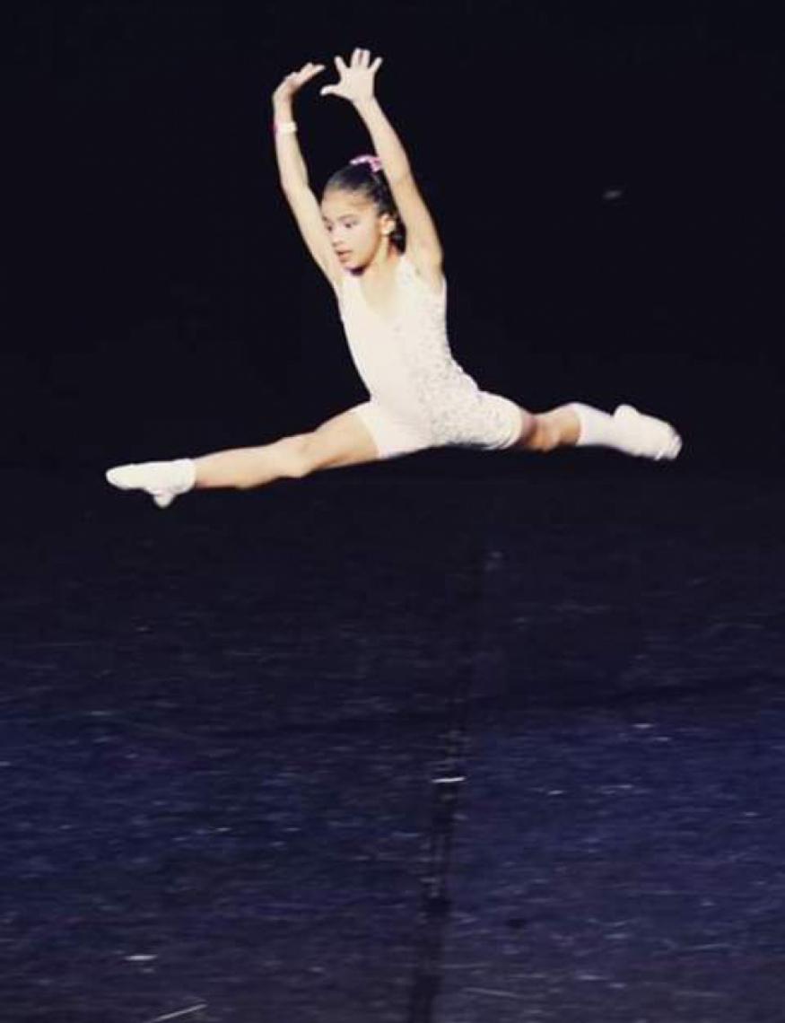 A bailarina mirim precisa de R$ 3.200 para custear a viagem que será em outubro.