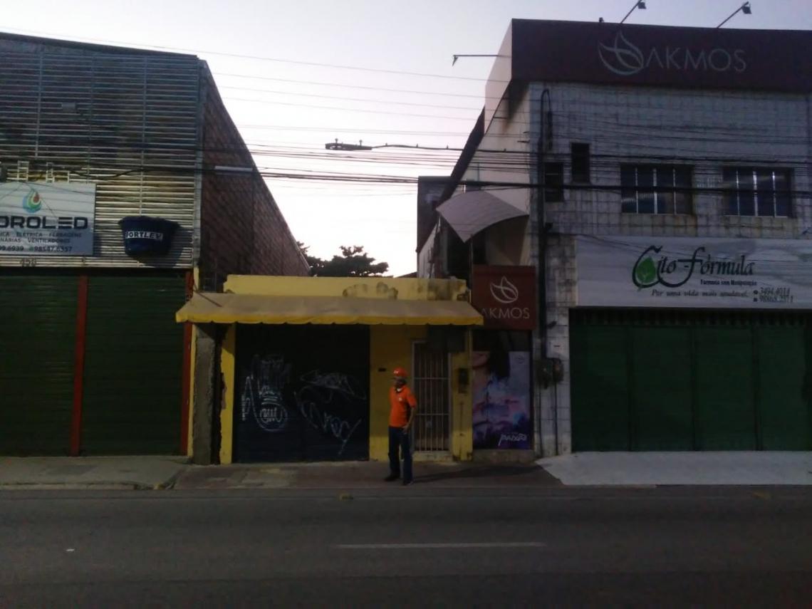 Fiscais da Defesa Civil  estiveram no restaurante (cor amarela) para avaliar os danos, mas o estabelecimento estava fechado