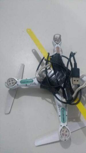 O equipamento carregava uma serra, aparelho celular e cabo USB