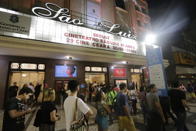 O Cineteatro São Luiz, palco das últimas edições do Cine Ceará, terá redução de lugares para a realização em 2020. Na foto, registro do público na edição de 2019 do evento (Foto: AURELIO ALVES)