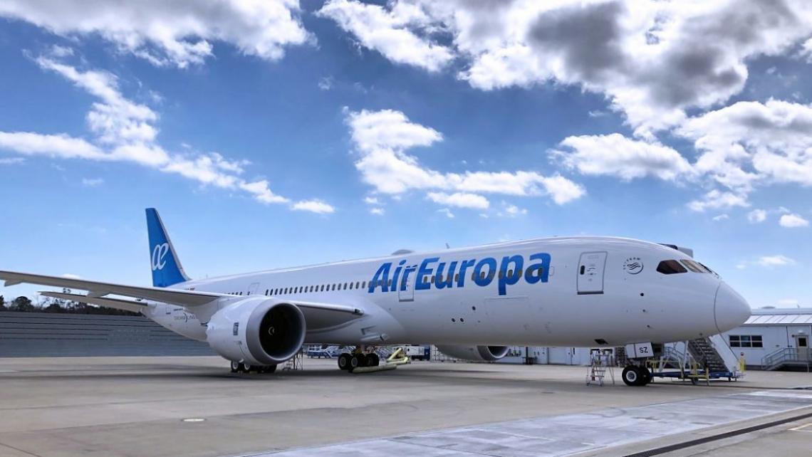 Os voos serão realizados Airbus 330-200, com capacidade para 299 passageiros, dos quais 24 voam na classe Executiva.