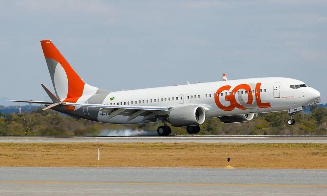 A turbina de um avião da GOL pegou fogo na manhã de ontem
