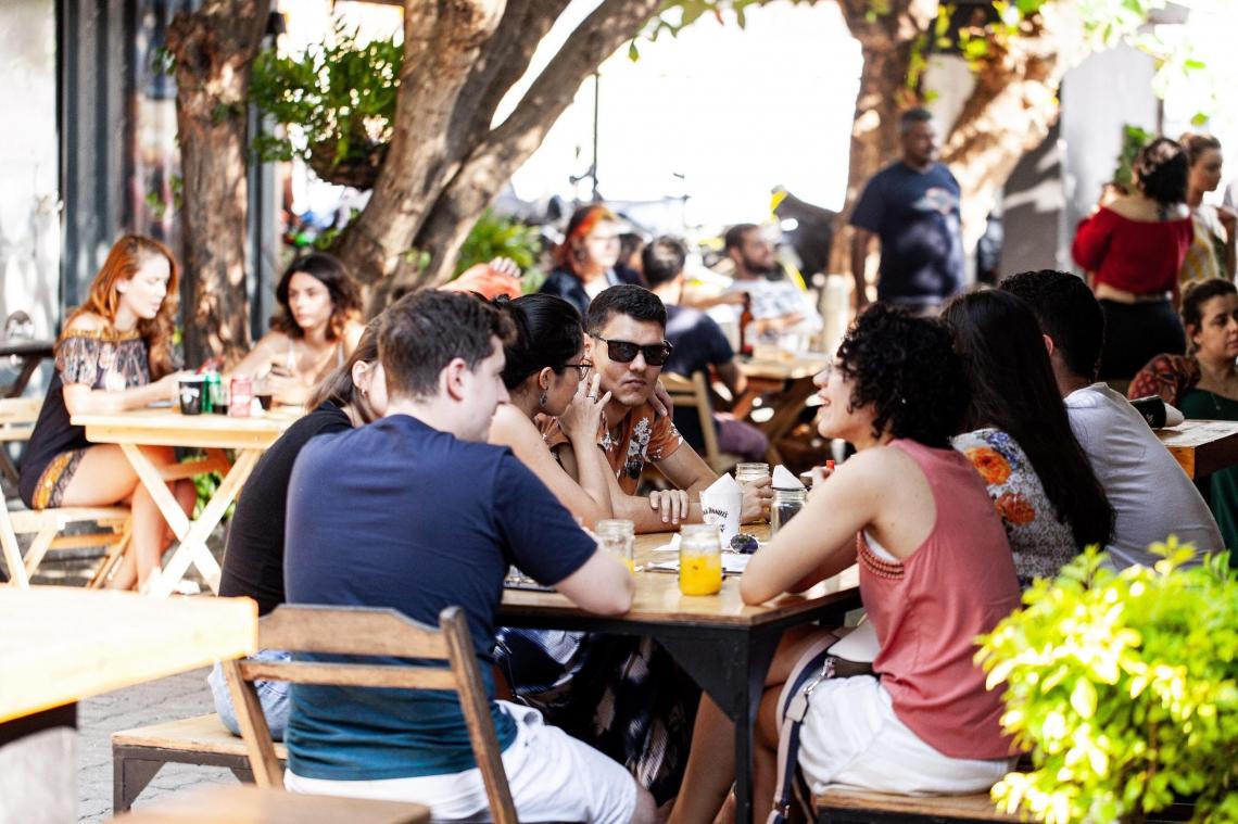 O Umbu Bar é uma das opções para comer e beber nos entornos do Edson Queiroz