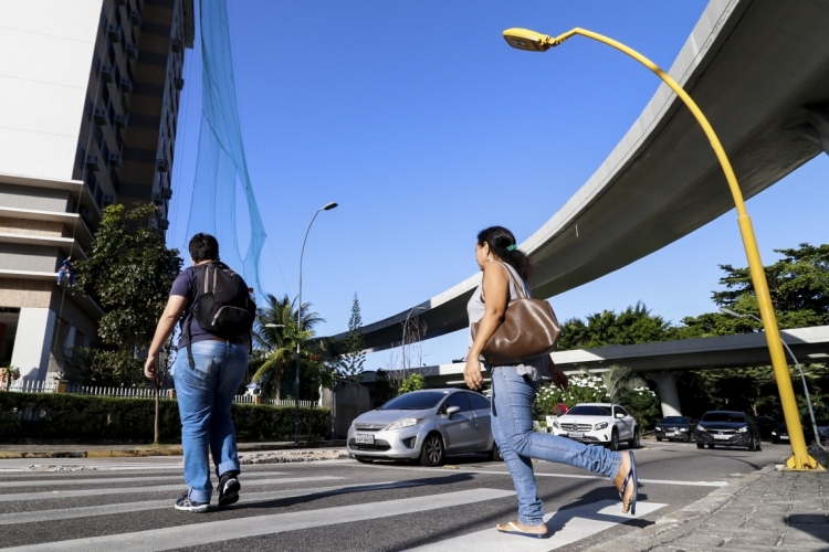 Prefeitura de Fortaleza lança campanha educativa sobre excesso de velocidade e desrespeito às faixas de pedestres (Foto: Alex Gomes/ Especial para O POVO)