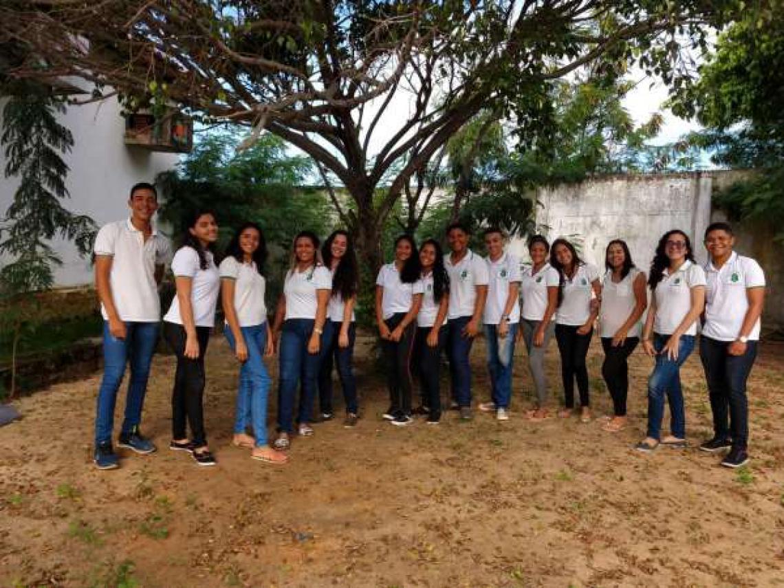 Alunos da Escola de Ensino Médio Ronaldo Caminha Barbosa