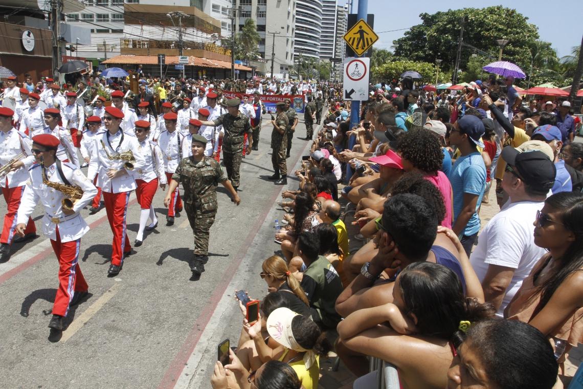 Desfile de 7 de setembro acontecia tradicionalmente na avenida Beira-Mar.