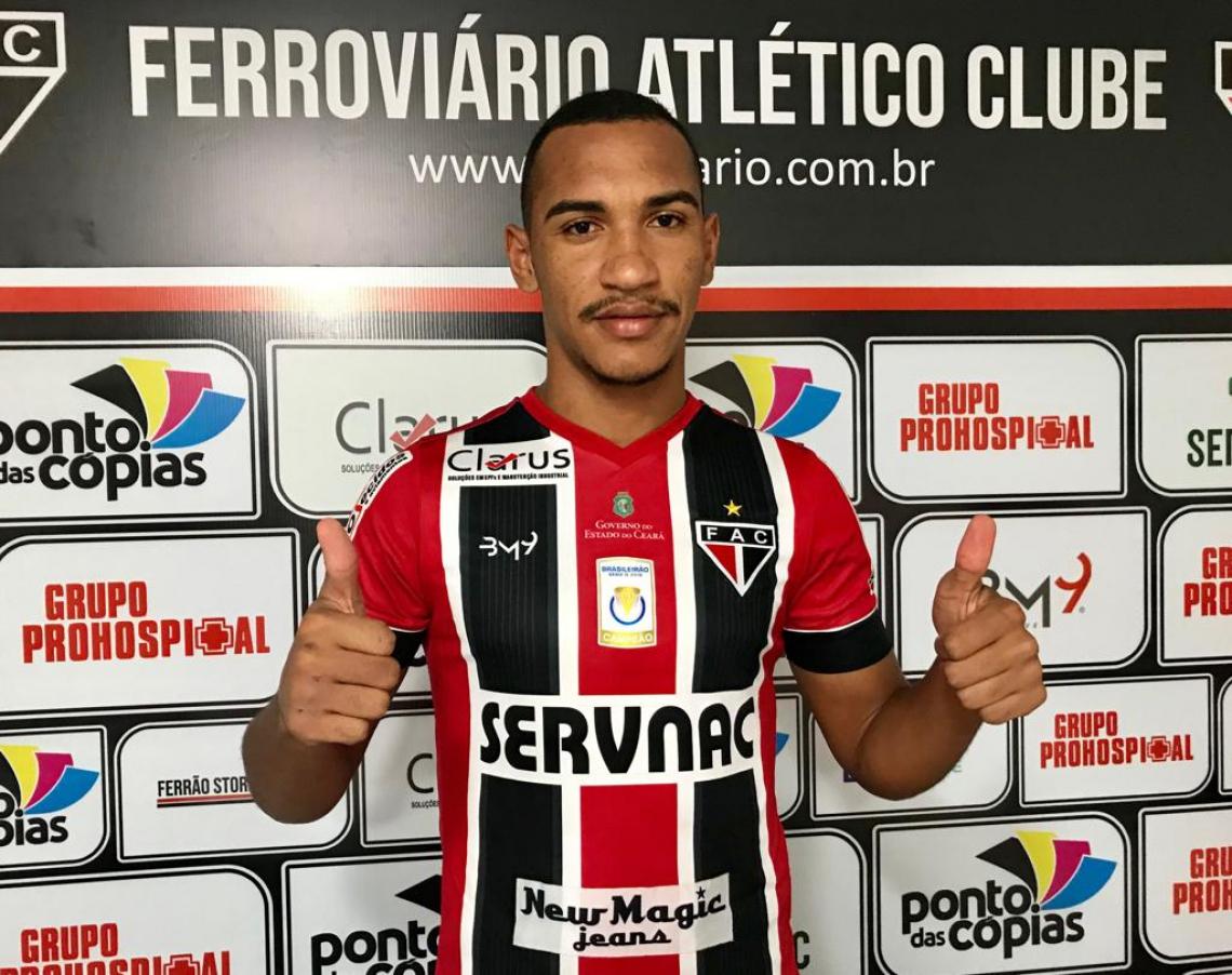 Volante atuou como atleta sub-23 do Santos nos anos de 2015 e 2016