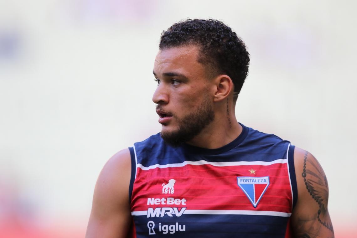 André Luis saiu machucado no jogo diante do São Paulo, no último sábado, 5
