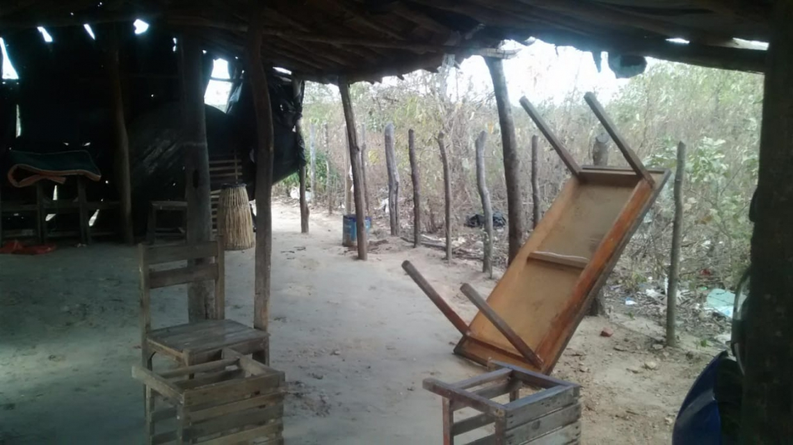 Imagem de como ficou um dos barracos improvisados após o episódio do dia 11 de agosto