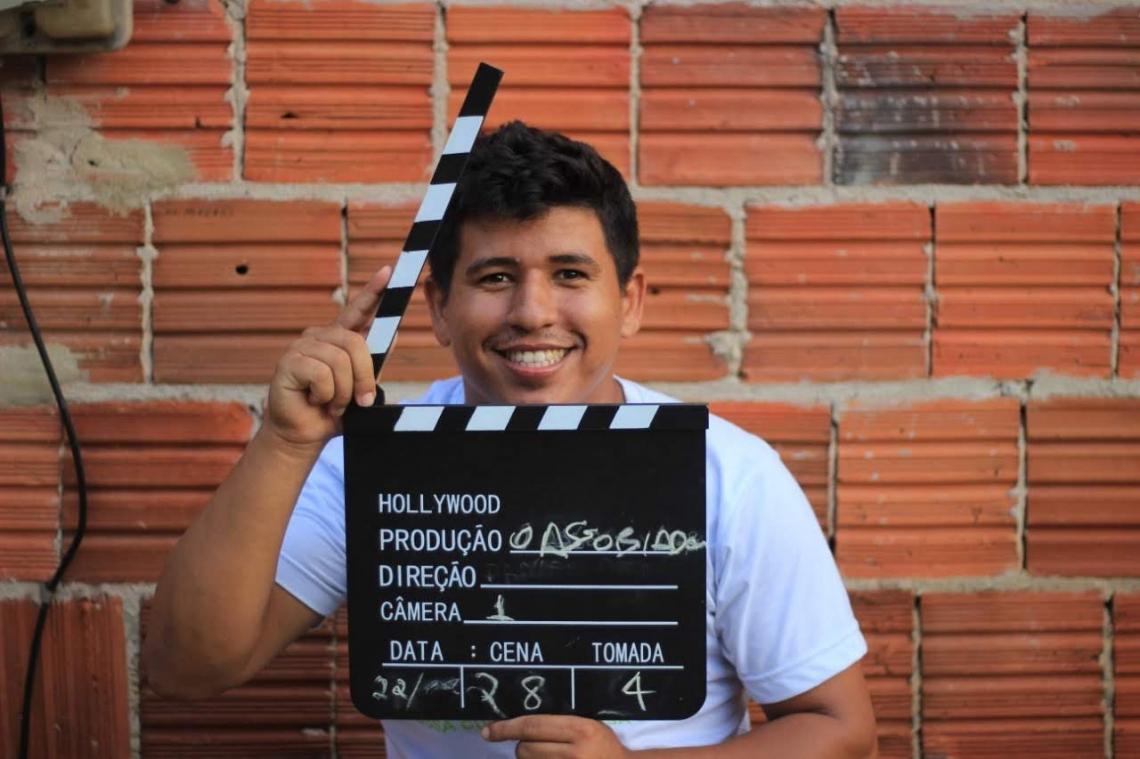 Daniel José Silva Sousa, 23 anos, natural de Preá e diretor do filme O Assobiador. (Foto: Reprodução/ Instagram)