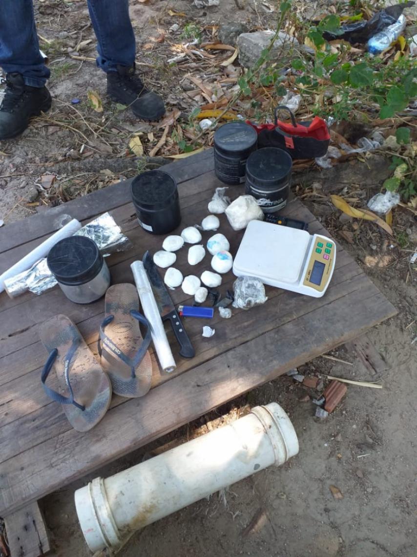 Material apreendido foi levado a uma unidade da Polícia Civil