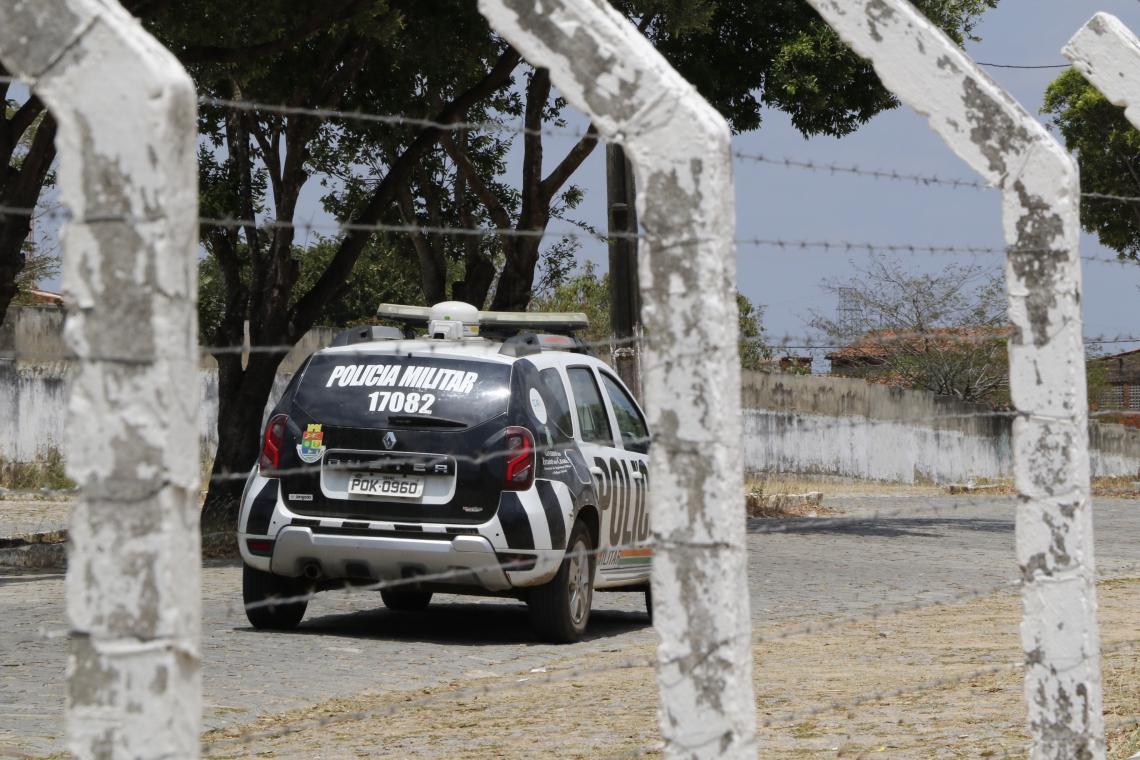 Policiamento foi reforçado durante a manhã deste domingo durante enterro do garoto de 14 anos morto por PM