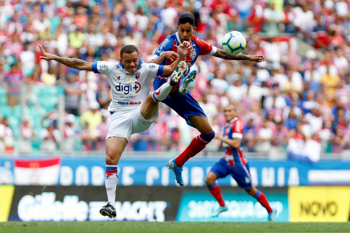 Fortaleza saiu na frente, mas cedeu empate após pênalti cometido por Carlinhos.