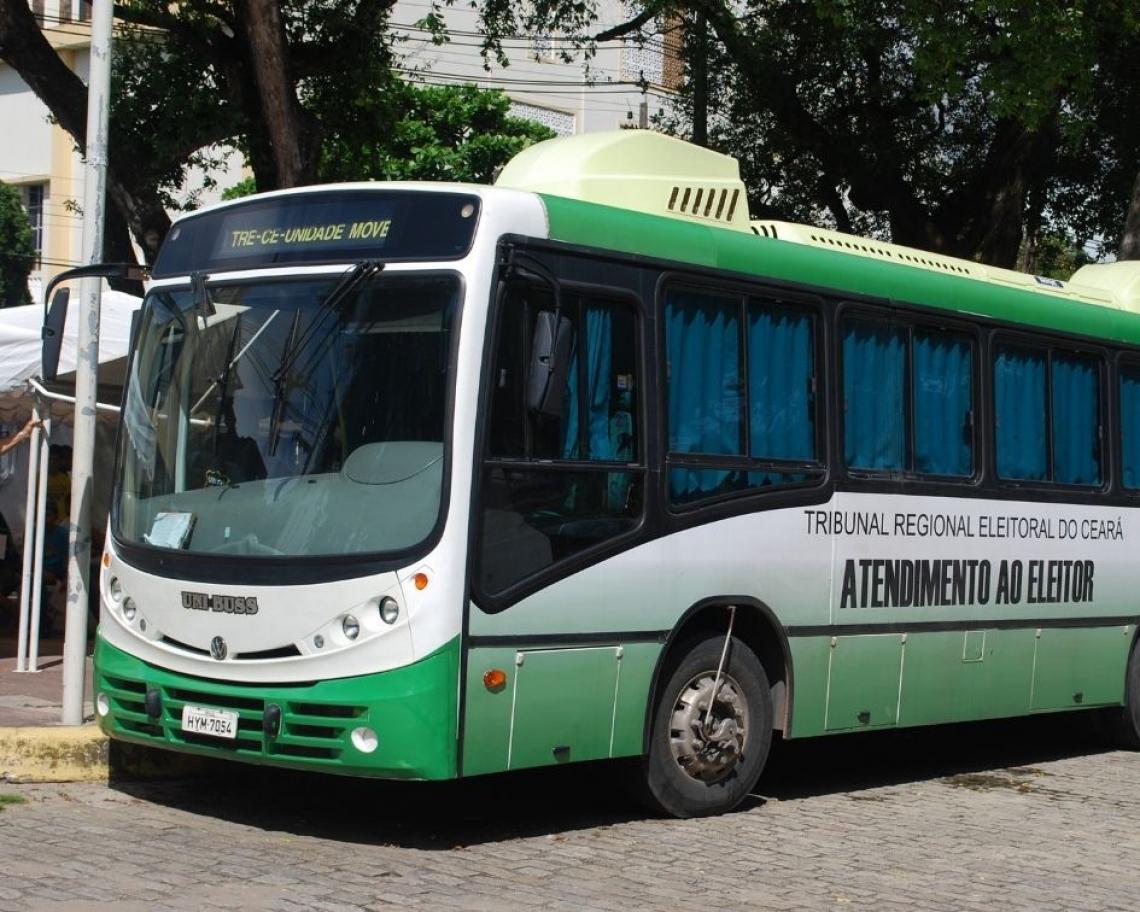 Unidade móvel do TRE que ficará instalada a partir de hoje na Praça do Ferreira