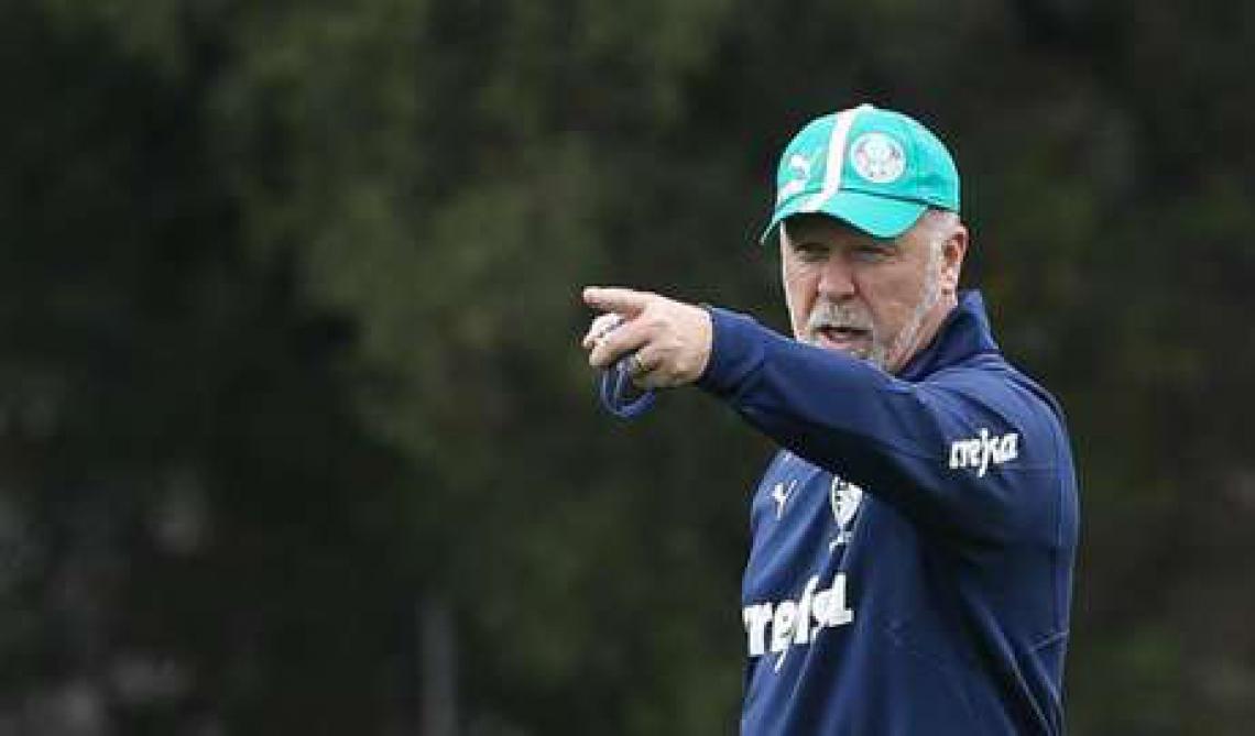Mano Menezes busca levar Palmeiras ao vice-campeonato