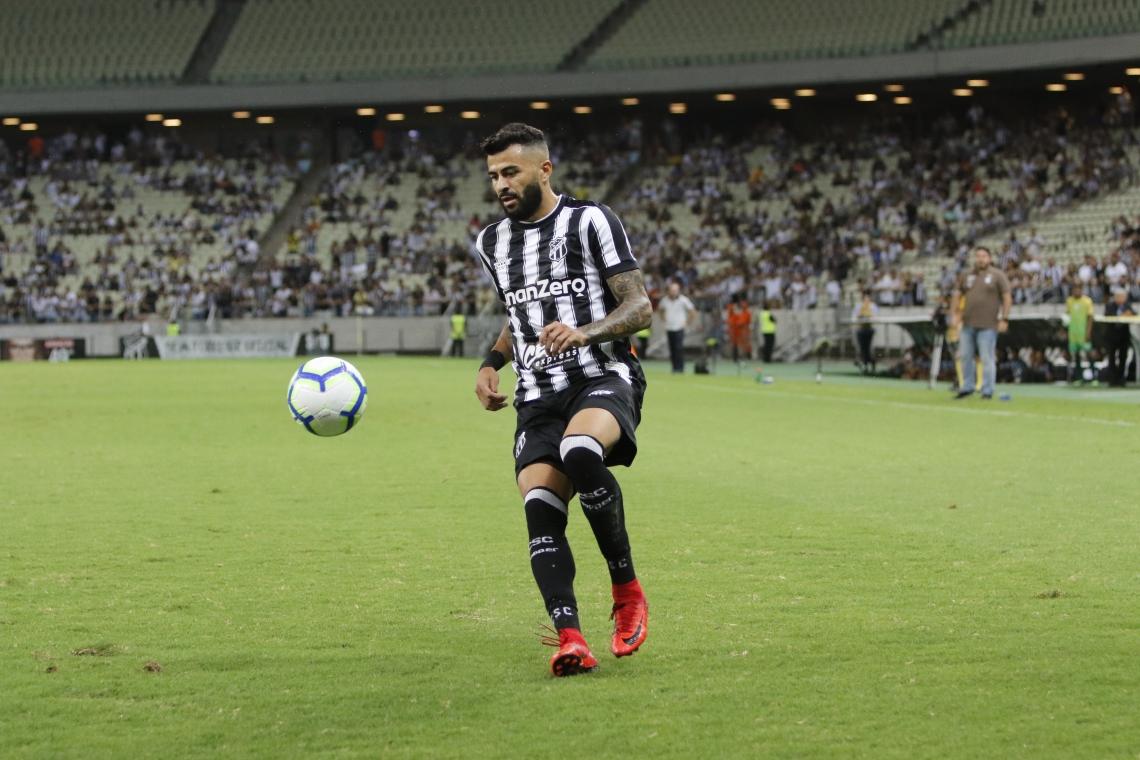 João Lucas pode ter sido uma indicação de Adílson Batista, técnico do Cruzeiro