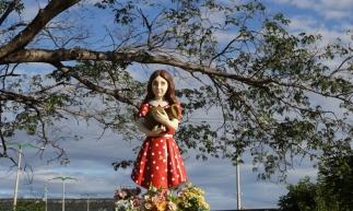 SANTANA DO CARIRI, CE, BRASIL, 28.07.2019: Imagens da menina Benigna pela cidade.  (Fotos: Fabio Lima/O POVO)