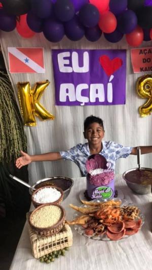 A família paraense adorou o tema inusitado da festa e ajudou Kaio a montar o aniversário