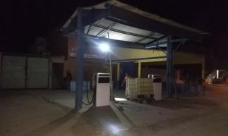 Polícia apreende mais de 1,5 mil litros de combustíveis, prende dois suspeitos e desativa posto clandestino