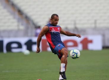 Edinho está regularizado e pode jogar pelo Fortaleza