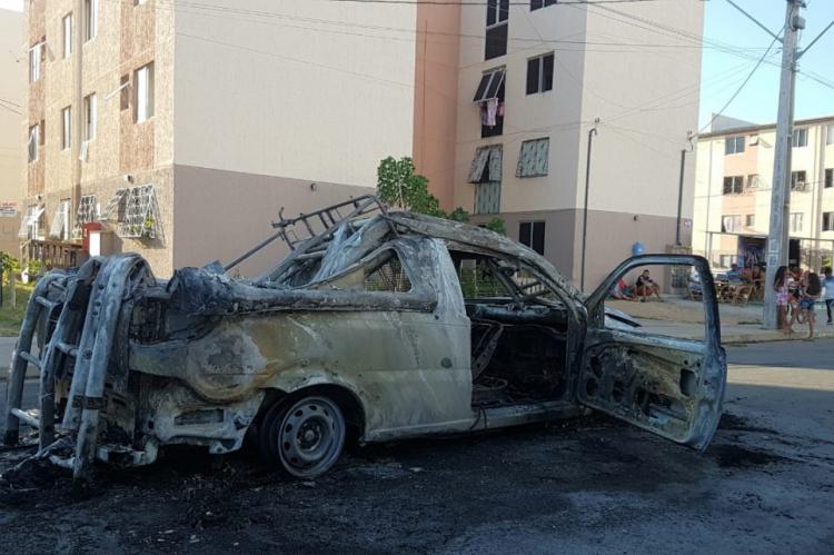 Distribuidora informa que não houve feridos e que está apurando as motivações dos casos