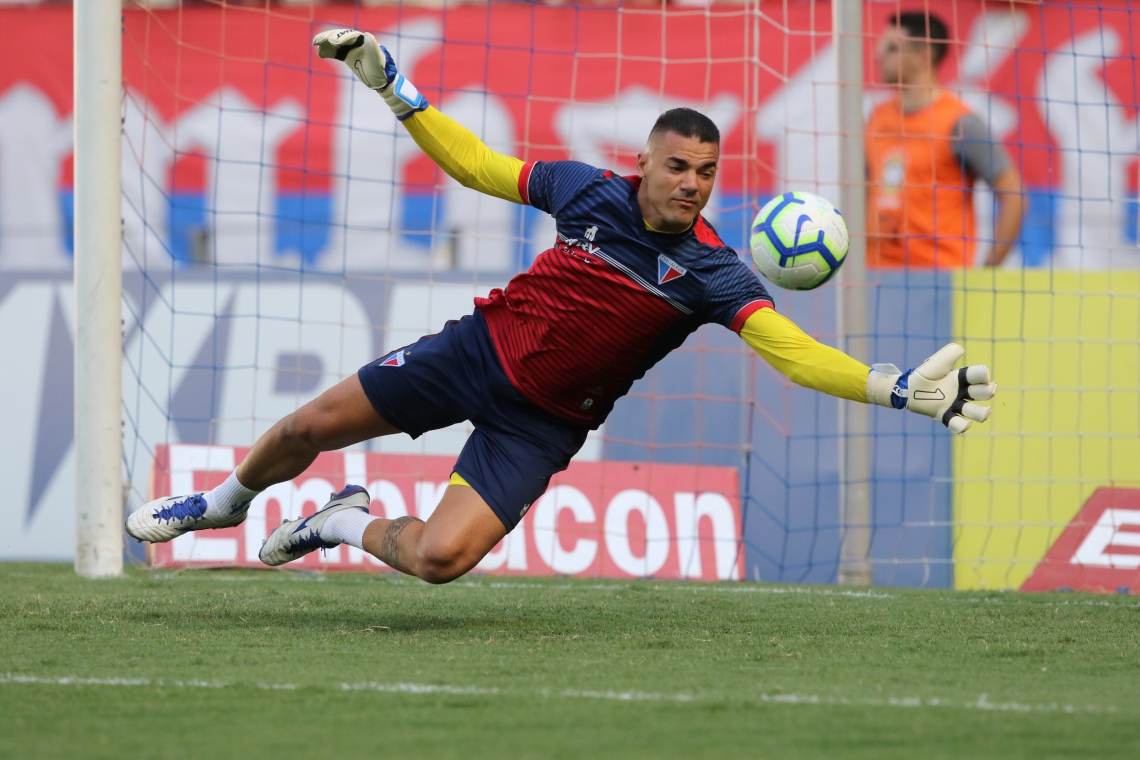 Felipe Alves foi titular na partida diante do Flamengo. (Foto: Fabio Lima/O POVO)