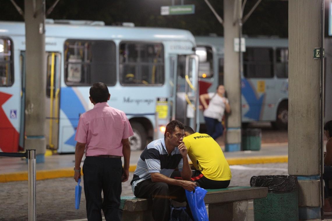 FORTALEZA, CE, BRASIL, 23-09-2019: Terminal de ônibus da Lagoa. Terminais de ônibus de Fortaleza sofrem contigenciamento da frota por causa de ataques a ônibus nesta data. (Foto: Júlio Caesar/O POVO)