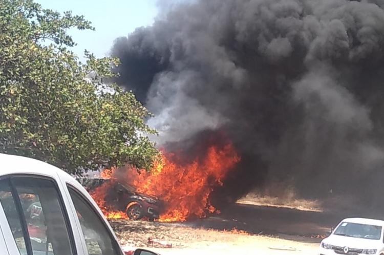 16 carros de luxo foram incendiados