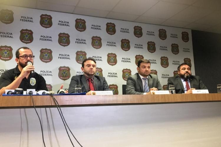 Secretário André Costa e representantes do MPCE e da Polícia Federal durante entrevista coletiva nesta quinta-feira, 26