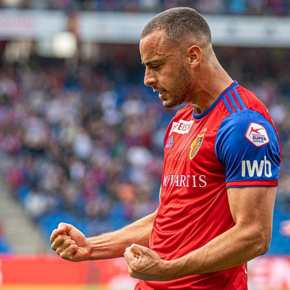Ex-Ceará, Arthur Cabral marca um gol em vitória do Basel contra o Young Boys