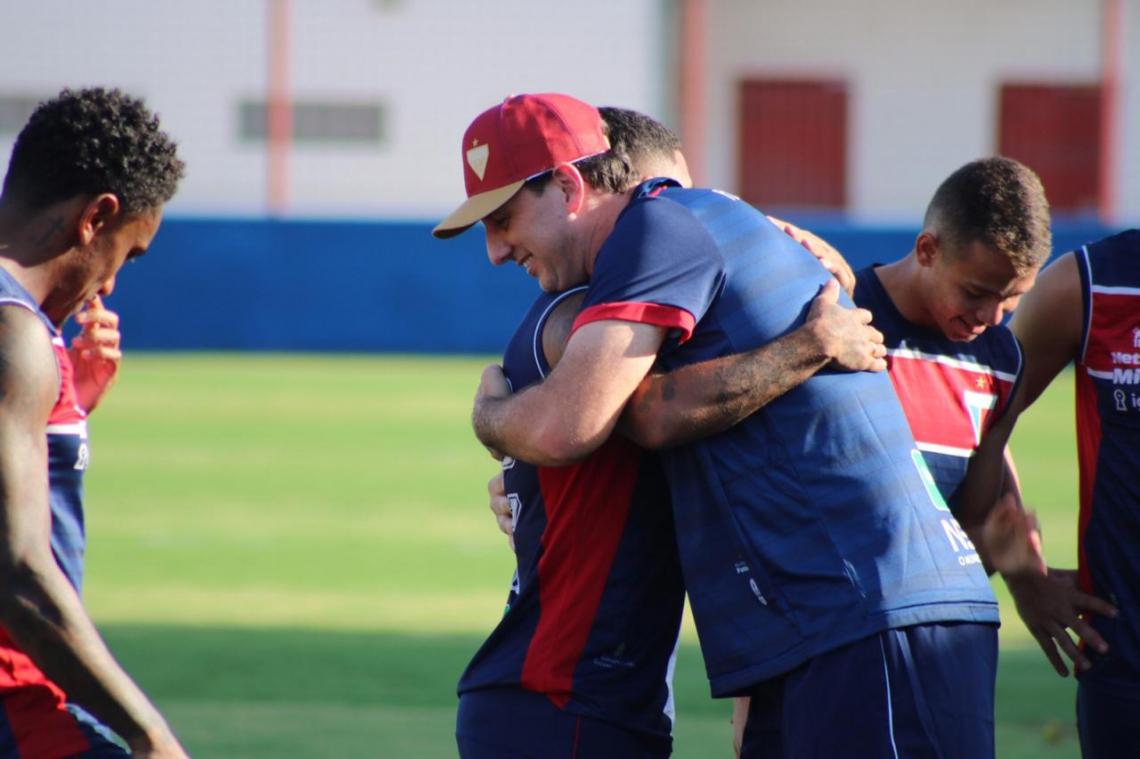 ROGÉRIO Ceni foi recebido com entusiasmo pelos jogadores