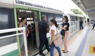 FORTALEZA, CE, BRASIL, 30-09-2019: Trasporte VLT do Metrofor, volta a funcionar sentido Parangaba-Mucuripe, após colisão de trens. (Foto: Mauri Melo/O POVO).
