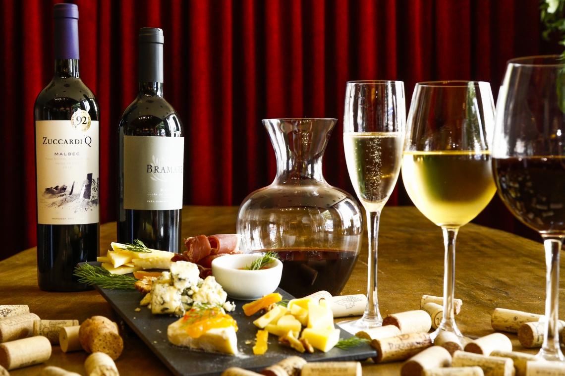 Os vinhos tornaram-se bons companheiros para está endo de ficar em casa por conta da pandemia